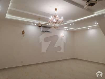 پنجاب گورنمنٹ سرونٹ سوسائٹی لاہور میں 3 کمروں کا 10 مرلہ مکان 1.4 کروڑ میں برائے فروخت۔