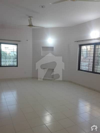 1 Kanal Upper Portion With Separate Gate  Drawing Dining For Rent