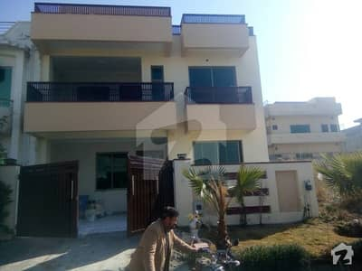 D-17 Brand New 5 Bed House 30x70 For Sale