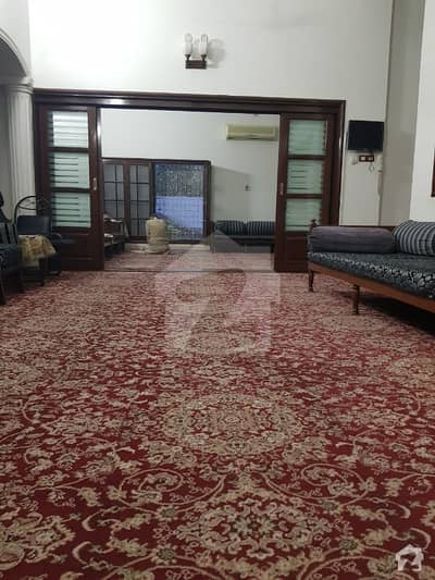 1000 Sq Yd Corner Bungalow For Sale West Open