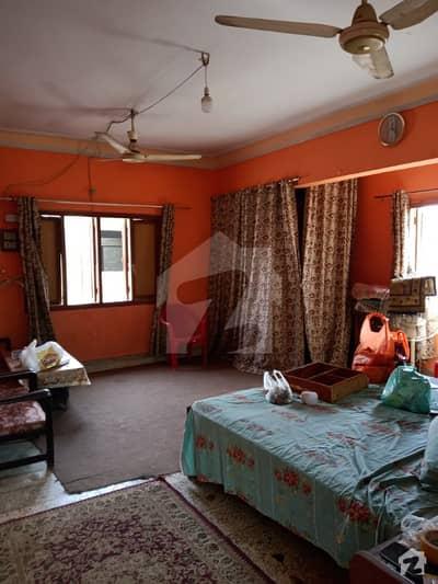 لیاقت آباد کراچی میں 1 کمرے کا 3 مرلہ مکان 8 ہزار میں کرایہ پر دستیاب ہے۔