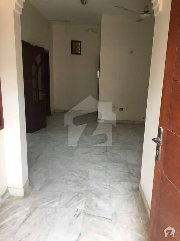 4 Bedrooms Town House Available For Rent