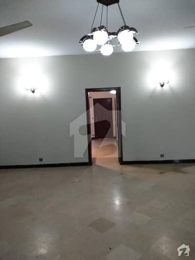 جی ۔ 13 اسلام آباد میں 4 کمروں کا 11 مرلہ بالائی پورشن 50 ہزار میں کرایہ پر دستیاب ہے۔