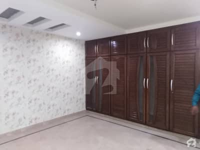 1 Kanal Tile Floor House Is Available For Rent