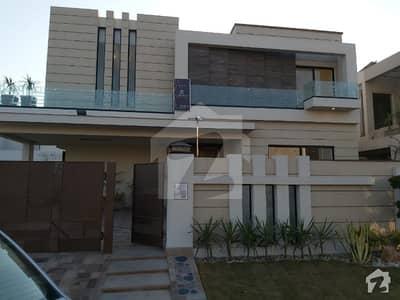ڈی ایچ اے فیز 6 - بلاک بی فیز 6 ڈیفنس (ڈی ایچ اے) لاہور میں 5 کمروں کا 1 کنال مکان 6 کروڑ میں برائے فروخت۔