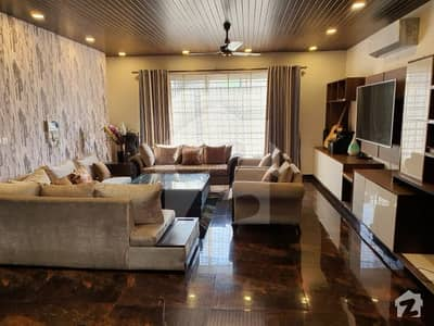 1 Kanal Luxurious House For Sale In E-11
