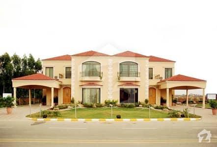 بحریہ ٹاؤن فیز 4 بحریہ ٹاؤن راولپنڈی راولپنڈی میں 1 کنال مکان 2.45 کروڑ میں برائے فروخت۔