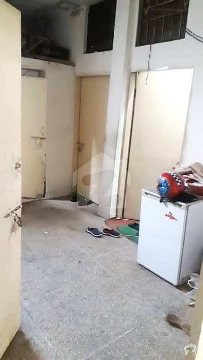 Flat For Sale At Kacha Jail Road Lahore 1.75 Marla Approx