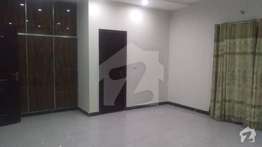 کینال گارڈن ۔ بلاک ای کینال گارڈن لاہور میں 3 کمروں کا 13 مرلہ بالائی پورشن 32 ہزار میں کرایہ پر دستیاب ہے۔