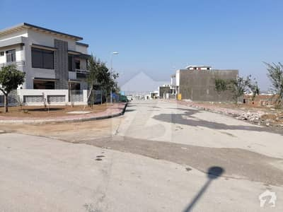 بحریہ ٹاؤن فیز 8 ۔ بلاک ایف بحریہ ٹاؤن فیز 8 بحریہ ٹاؤن راولپنڈی راولپنڈی میں 7 کمروں کا 14 مرلہ مکان 3.45 کروڑ میں برائے فروخت۔