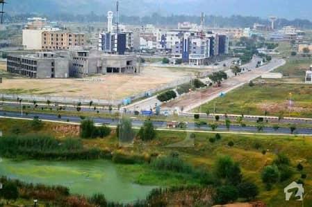 ایم پی سی ایچ ایس - بلاک ای ایم پی سی ایچ ایس ۔ ملٹی گارڈنز بی ۔ 17 اسلام آباد میں 11 مرلہ کمرشل پلاٹ 1.8 کروڑ میں برائے فروخت۔