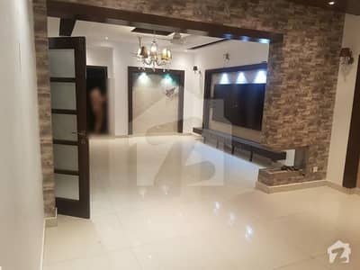 10 Marla Old House For Sale In Phase 1 Block P