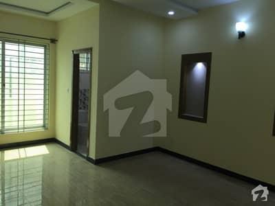 فیصل ٹاؤن - ایف ۔ 18 اسلام آباد میں 3 کمروں کا 8 مرلہ مکان 26 ہزار میں کرایہ پر دستیاب ہے۔