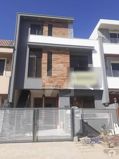 G-13/1 25x40 Sq Ft Brand New Triple Storey House For Sale