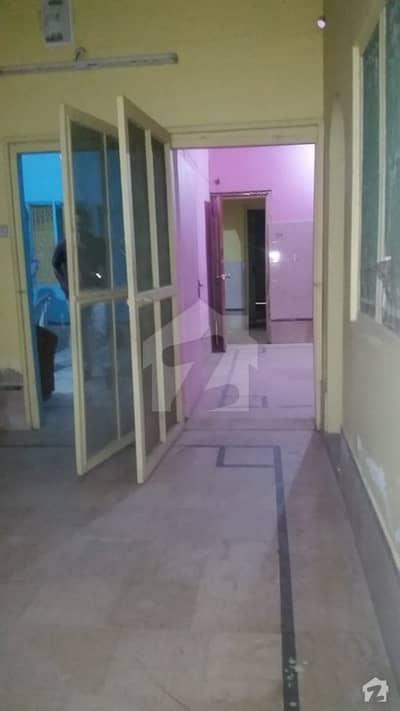 لطیف آباد یونٹ 7 لطیف آباد حیدر آباد میں 6 مرلہ مکان 30 ہزار میں کرایہ پر دستیاب ہے۔