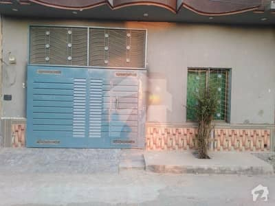 کاہنہ لاہور میں 4 کمروں کا 5 مرلہ مکان 60 لاکھ میں برائے فروخت۔