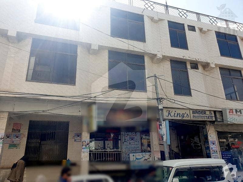 شاہراہِ عدالت کوئٹہ میں 3 مرلہ دفتر 1.05 کروڑ میں برائے فروخت۔
