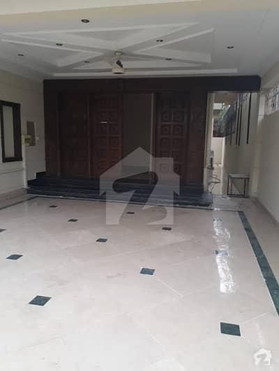 ایف ۔ 7/2 ایف ۔ 7 اسلام آباد میں 1 کنال مکان 12.25 کروڑ میں برائے فروخت۔