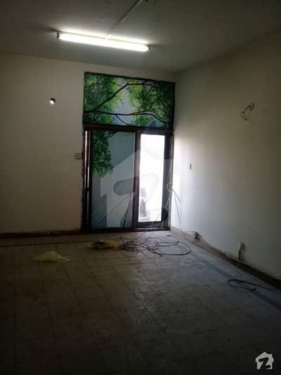 گارڈن ٹاؤن - عثمان بلاک گارڈن ٹاؤن لاہور میں 2 کمروں کا 5 مرلہ فلیٹ 60 ہزار میں کرایہ پر دستیاب ہے۔
