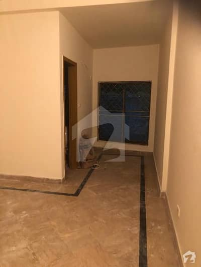 10 Marla Apartment Ground Floor Is Available In Rehman Garden