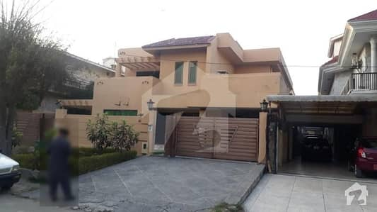 Best Deal 5 Bed Prime Location House For Sale In F11