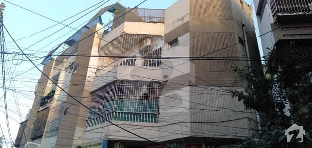 کلفٹن ۔ بلاک 5 کلفٹن کراچی میں 2 کمروں کا 5 مرلہ فلیٹ 1.5 کروڑ میں برائے فروخت۔