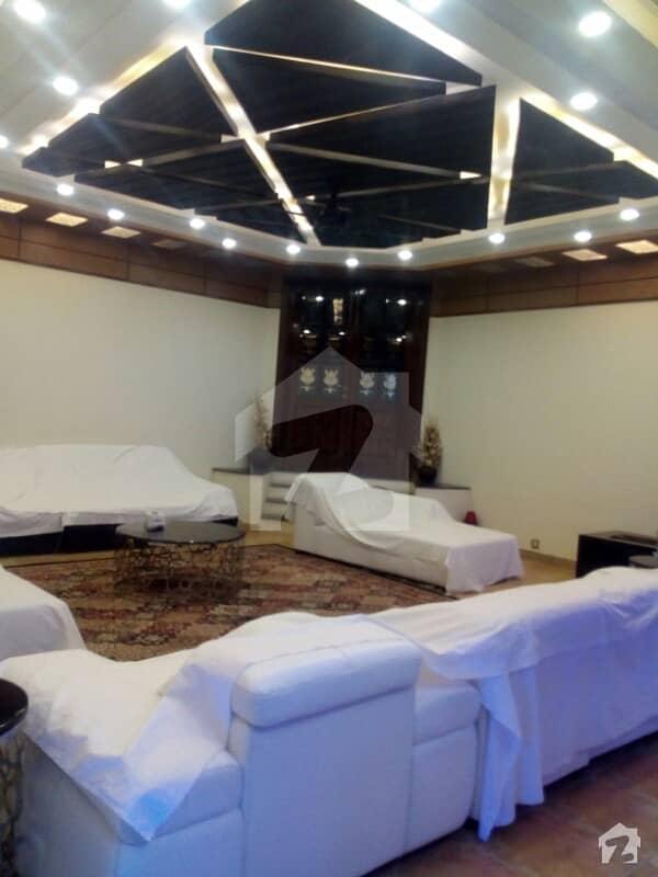 ایف ۔ 11 اسلام آباد میں 7 کمروں کا 172.69 کنال مکان 22 کروڑ میں برائے فروخت۔