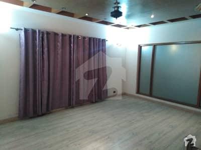 ڈی ایچ اے فیز 2 - بلاک وی فیز 2 ڈیفنس (ڈی ایچ اے) لاہور میں 5 کمروں کا 2 کنال مکان 2.3 لاکھ میں کرایہ پر دستیاب ہے۔
