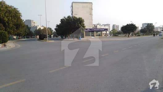 بحریہ ٹاؤن نشتر بلاک بحریہ ٹاؤن سیکٹر ای بحریہ ٹاؤن لاہور میں 4 مرلہ کمرشل پلاٹ 1.4 کروڑ میں برائے فروخت۔