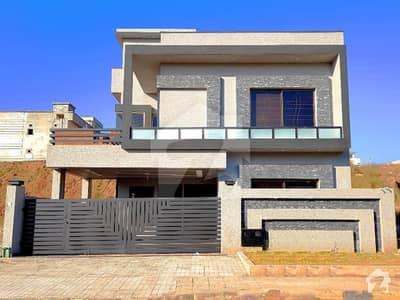 بحریہ ٹاؤن فیز 8 بحریہ ٹاؤن راولپنڈی راولپنڈی میں 5 کمروں کا 10 مرلہ مکان 2.1 کروڑ میں برائے فروخت۔