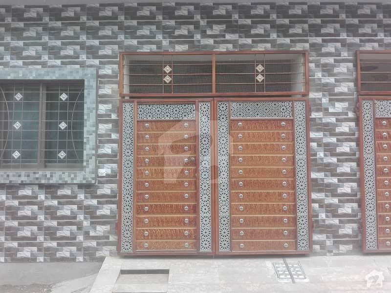 سمن آباد لاہور میں 3 کمروں کا 3 مرلہ مکان 90 لاکھ میں برائے فروخت۔