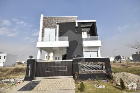 05 MARLA BRAND NEW STYLISH HOUSE IS AVAILABLE FOR SALE
