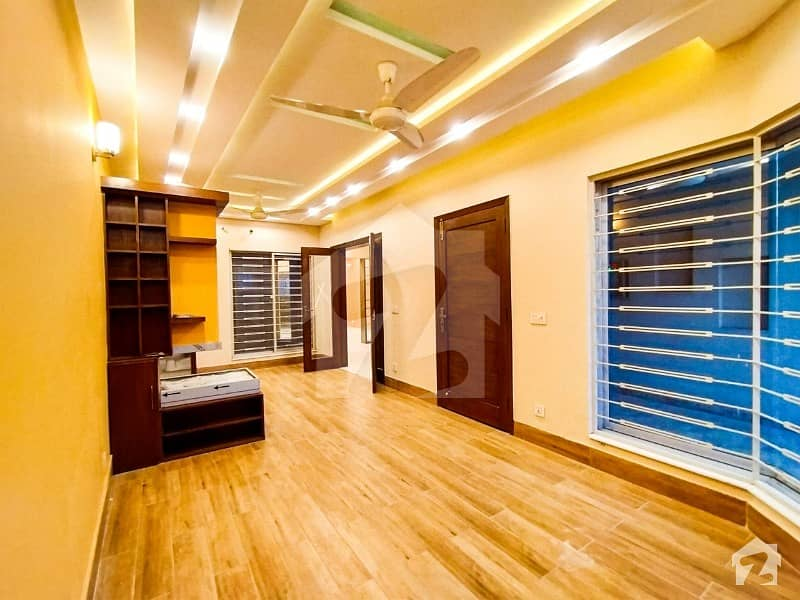 7 Marla Luxury Villa Available For Sale In State Life Housing Phase 1