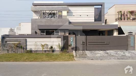 1 Kanal Luxury House For Sale At Hot Location Of B Block  Fully Solid With Proofs