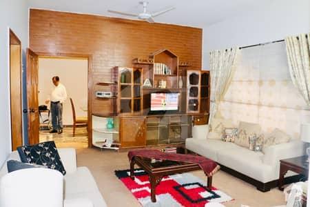 ڈی ایچ اے فیز 3 ڈیفنس (ڈی ایچ اے) لاہور میں 3 کمروں کا 1 کنال بالائی پورشن 95 ہزار میں کرایہ پر دستیاب ہے۔