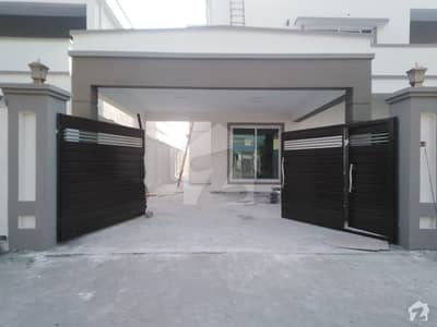 1 Kanal Brand New House On Main Bulevard Is Available For Rent
