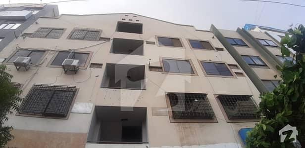 ڈی ایچ اے فیز 4 ڈی ایچ اے کراچی میں 4 مرلہ دفتر 1.35 کروڑ میں برائے فروخت۔