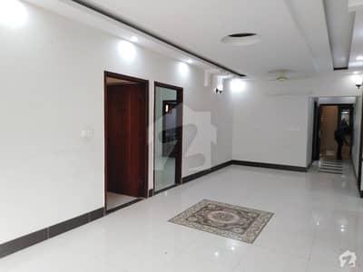 کوسموپولیٹن سوسائٹی کراچی میں 4 کمروں کا 11 مرلہ فلیٹ 2.95 کروڑ میں برائے فروخت۔