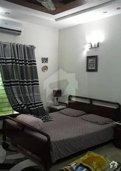 طارق گارڈنز ۔ بلاک اے طارق گارڈنز لاہور میں 5 کمروں کا 10 مرلہ مکان 2.1 کروڑ میں برائے فروخت۔