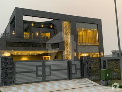 AIJAZ ESTATE  MARKETING ofer 1 kanal full house for rent in dha phase 6 prime location
