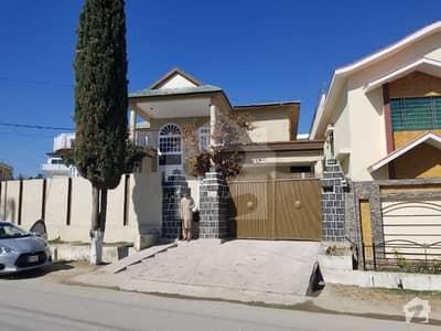 غازی کوٹ مانسہرہ میں 6 کمروں کا 2 کنال مکان 8.5 کروڑ میں برائے فروخت۔