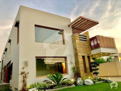 1000 Yard Architecture Design Brand New Bungalow For Sale