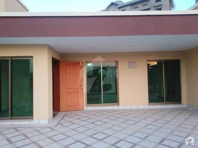 عسکری 5 - سیکٹر ایچ عسکری 5 ملیر کنٹونمنٹ کینٹ کراچی میں 5 کمروں کا 1.9 کنال مکان 8.5 کروڑ میں برائے فروخت۔