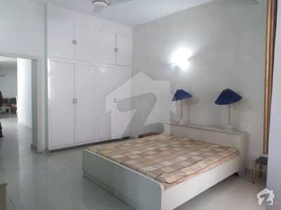 ایف ۔ 7 اسلام آباد میں 4 کمروں کا 1.24 کنال مکان 2.5 لاکھ میں کرایہ پر دستیاب ہے۔