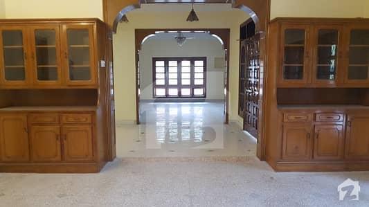 ایف ۔ 7 اسلام آباد میں 8 کمروں کا 2 کنال مکان 3 لاکھ میں کرایہ پر دستیاب ہے۔