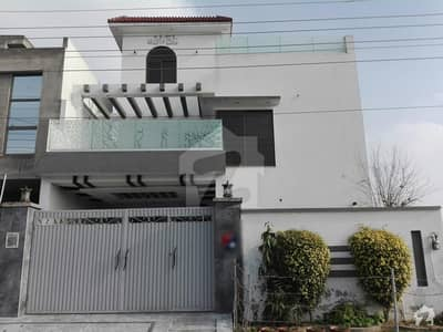 محافظ ٹاؤن فیز 2 محافظ ٹاؤن لاہور میں 2 کمروں کا 9 مرلہ بالائی پورشن 26 ہزار میں کرایہ پر دستیاب ہے۔