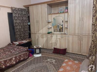 ارباب کرم خان روڈ کوئٹہ میں 4 کمروں کا 4 مرلہ مکان 1.1 کروڑ میں برائے فروخت۔
