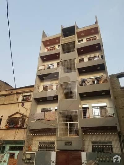 لیاقت آباد - سی ایریا لیاقت آباد کراچی میں 4 کمروں کا 5 مرلہ فلیٹ 40 لاکھ میں برائے فروخت۔