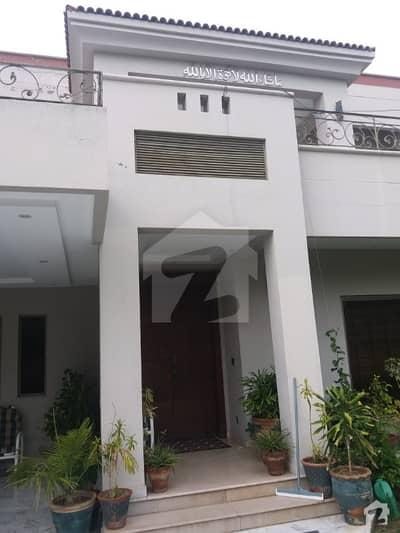 لیک سٹی ۔ سیکٹر ایم ۔ 1 لیک سٹی رائیونڈ روڈ لاہور میں 5 کمروں کا 1 کنال مکان 1.2 لاکھ میں کرایہ پر دستیاب ہے۔