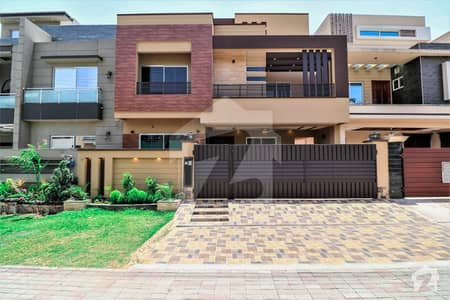 Solid Near Park 10 Marla 5 Bed House For Sale In Reasonable Price